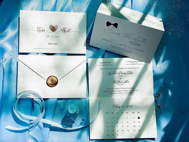 Khách hàng có thể chọn lựa nhiều loại giấy khác nhau khi sử dụng dịch vụ in thiệp cưới giá rẻ tại Quận 12