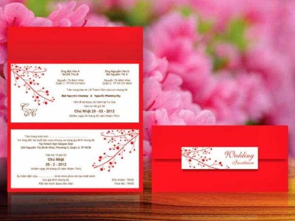 Phong cách thiết kế thiệp cưới màu đỏ tươi phong phú
