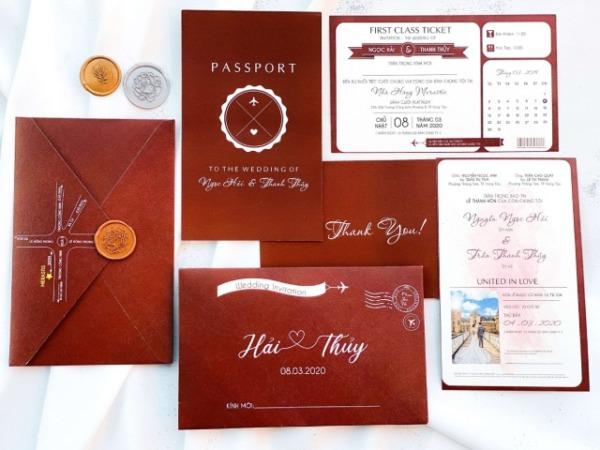 Xu hướng thiết kế thiệp cưới màu đỏ đô ấn tượng cho mùa cưới