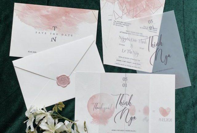 """Thiệp cưới màu hồng pastel cùng sự dịu dàng """"đốn tim"""" khách mời"""