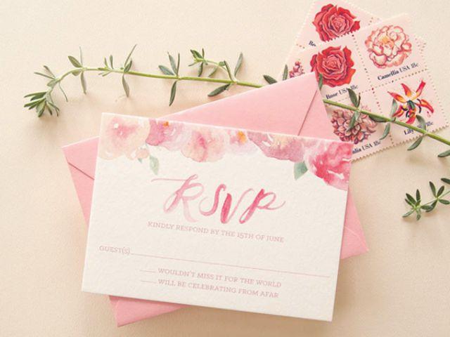 Thiệp cưới màu hồng pastel lãng mạn
