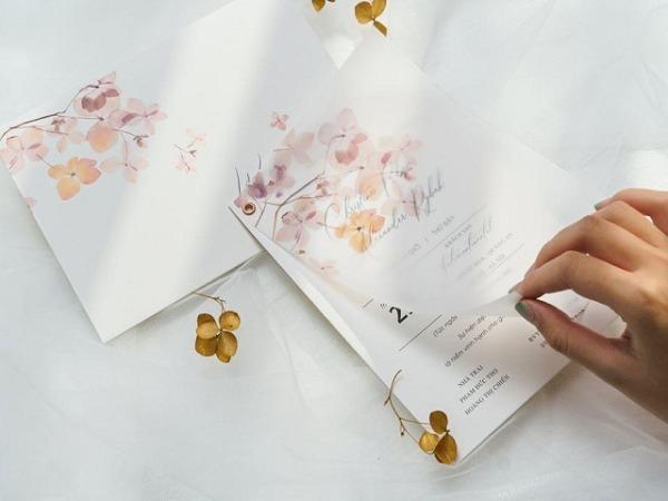 Tìm hiểu cách ghi thiệp cưới mời sếp chuẩn nhất dành cho các cặp đôi