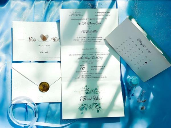 Mẫu thiệp cưới đẹp giá rẻ đóng dấu sáp