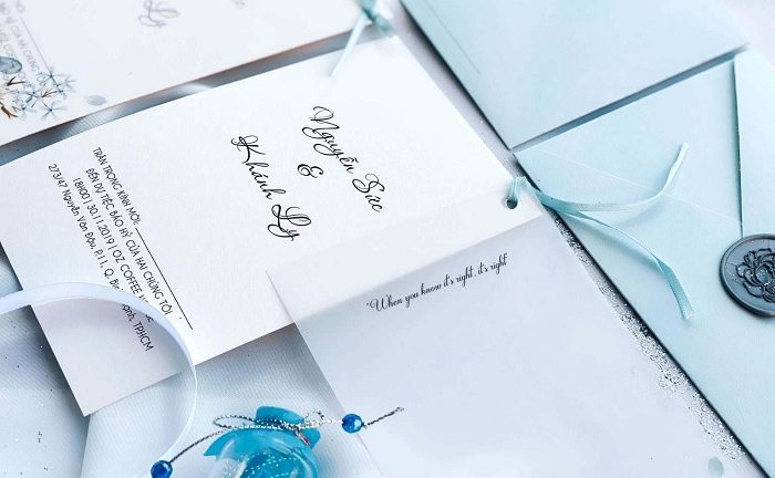 In thiệp cưới tự thiết kế: Thổi hồn cho tác phẩm của cặp đôi trẻ