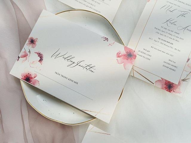 Thiệp cưới cao cấp mang tâm tình của cô dâu, chú rể gửi đến khách mời