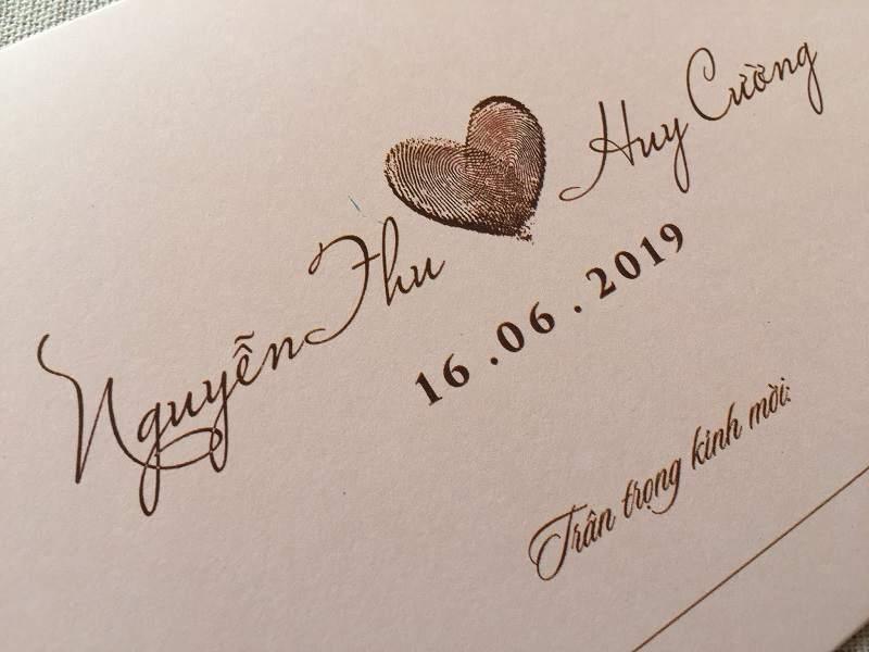 Thiệp cưới in vân tay có sức hút vô cùng lớn