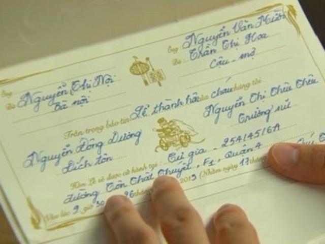 Nội dung quan trọng thể hiện trên thiệp hồng viết bằng tay