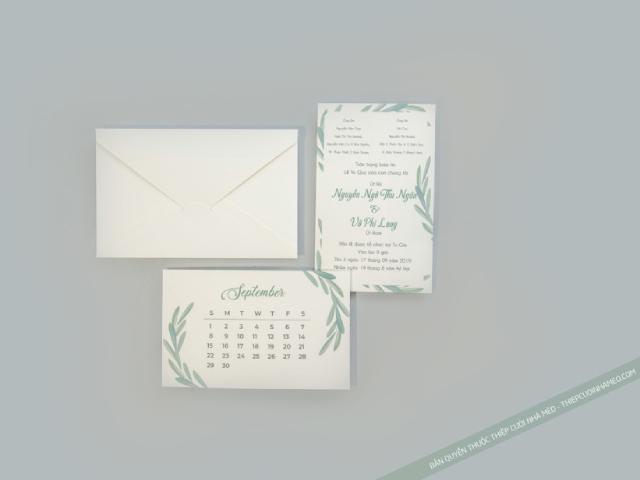 Thiệp cưới màu xanh lá thiết kế trên khổ giấy hình chữ nhật
