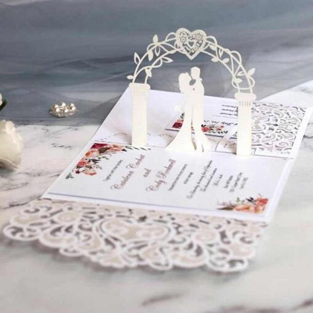 Thiệp cưới 3D sáng tạo được nhiều cặp đôi trẻ yêu thích lựa chọn cho ngày cưới