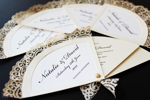 Thiệp cưới hình cây quạt